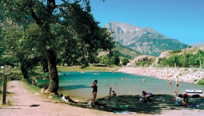 Lac au pays des écrins