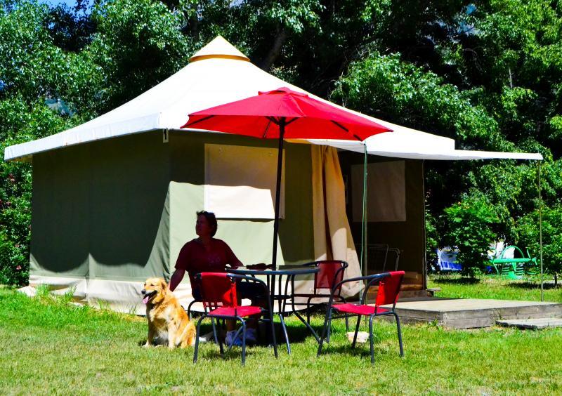 Bengalis, tentes