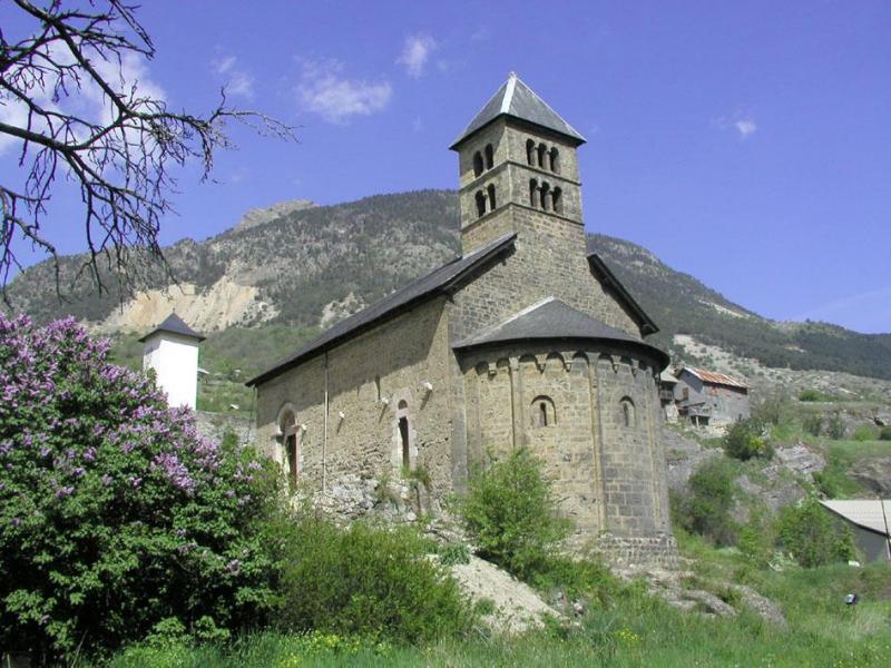 eglises et chapelles hautes alpes